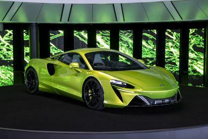 2022 McLaren Artura 39