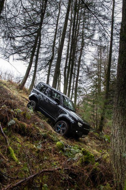 2022 Land Rover Defender 90 V8 14
