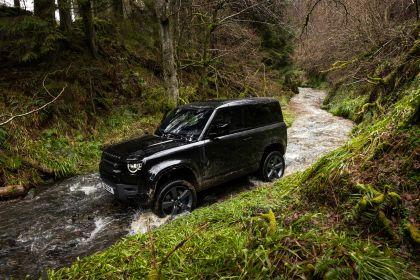 2022 Land Rover Defender 90 V8 18