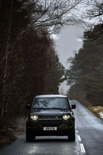2022 Land Rover Defender 90 V8 37