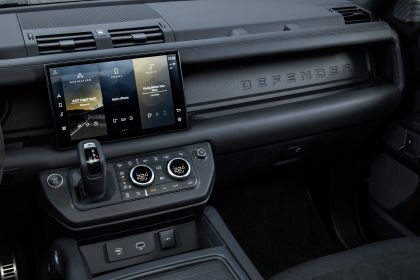 2022 Land Rover Defender 90 V8 68