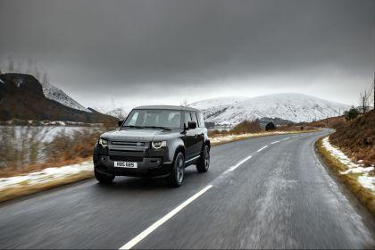 2022 Land Rover Defender 110 V8 12
