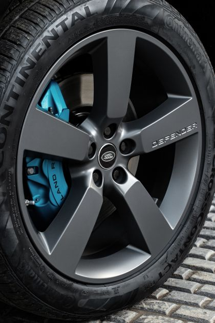 2022 Land Rover Defender 110 V8 17