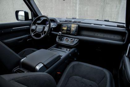 2022 Land Rover Defender 110 V8 28