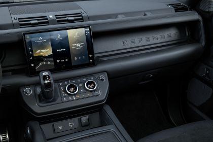 2022 Land Rover Defender 110 V8 35