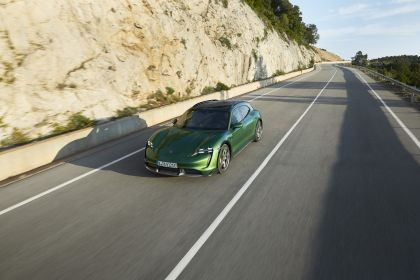 2022 Porsche Taycan Turbo S Cross Turismo 9