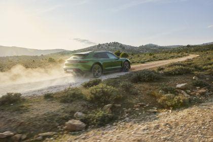 2022 Porsche Taycan Turbo S Cross Turismo 17
