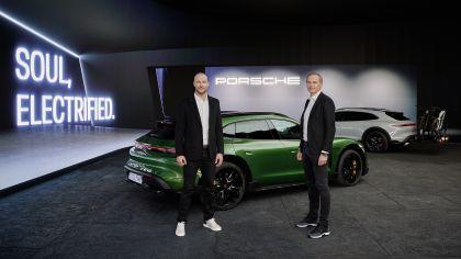 2022 Porsche Taycan Turbo S Cross Turismo 25