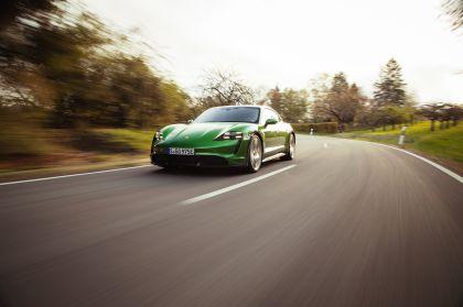2022 Porsche Taycan Turbo S Cross Turismo 27