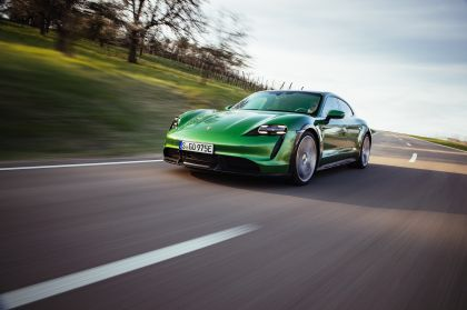 2022 Porsche Taycan Turbo S Cross Turismo 34