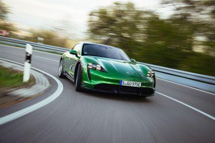2022 Porsche Taycan Turbo S Cross Turismo 35