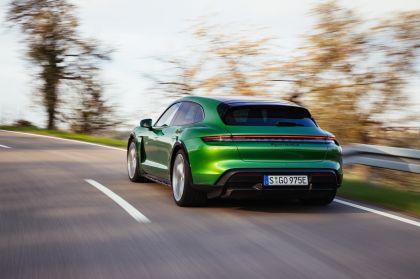 2022 Porsche Taycan Turbo S Cross Turismo 38