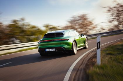 2022 Porsche Taycan Turbo S Cross Turismo 39