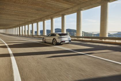 2022 Porsche Taycan 4S Cross Turismo 5