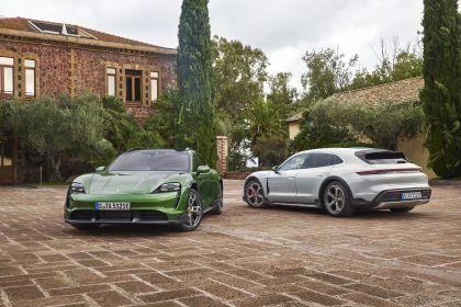 2022 Porsche Taycan 4S Cross Turismo 9