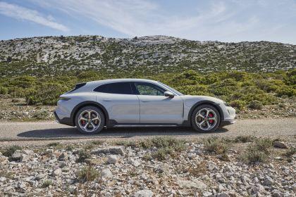 2022 Porsche Taycan 4S Cross Turismo 12