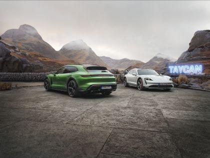 2022 Porsche Taycan 4S Cross Turismo 25