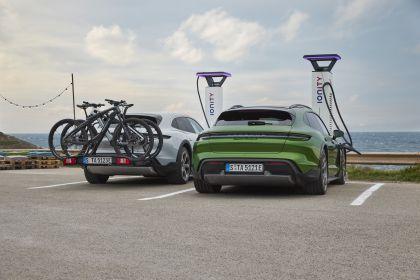 2022 Porsche Taycan 4S Cross Turismo 28