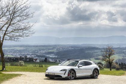 2022 Porsche Taycan 4S Cross Turismo 32
