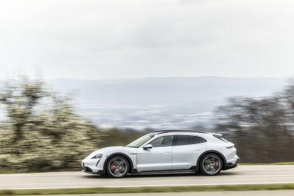 2022 Porsche Taycan 4S Cross Turismo 38