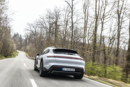 2022 Porsche Taycan 4S Cross Turismo 44