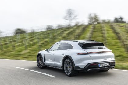 2022 Porsche Taycan 4S Cross Turismo 47