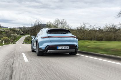 2022 Porsche Taycan 4S Cross Turismo 72