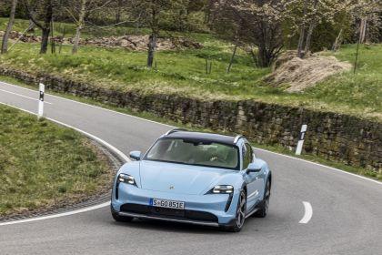 2022 Porsche Taycan 4S Cross Turismo 84