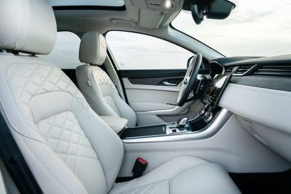 2021 Jaguar XF Sportbrake D200 MHEV SE 26