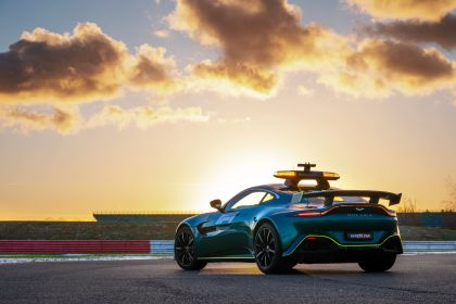 2021 Aston Martin Vantage F1 Safety Car 2