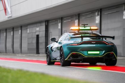 2021 Aston Martin Vantage F1 Safety Car 11