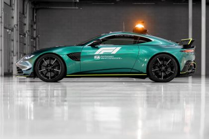 2021 Aston Martin Vantage F1 Safety Car 17