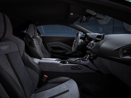 2021 Aston Martin Vantage F1 Edition 10