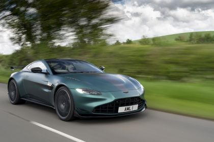2021 Aston Martin Vantage F1 Edition 13
