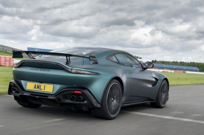 2021 Aston Martin Vantage F1 Edition 76