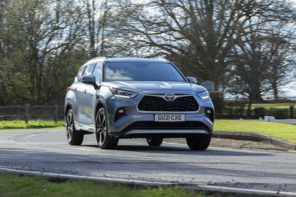 2021 Toyota Highlander hybrid - UK version 3