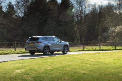 2021 Toyota Highlander hybrid - UK version 12