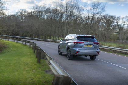 2021 Toyota Highlander hybrid - UK version 13