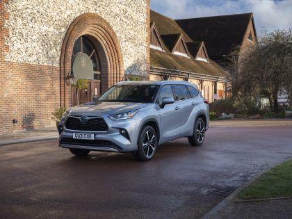2021 Toyota Highlander hybrid - UK version 16