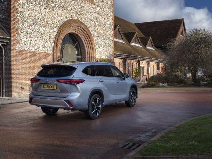 2021 Toyota Highlander hybrid - UK version 18