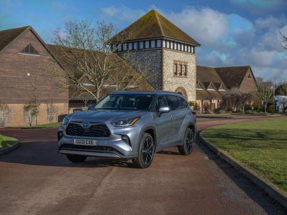 2021 Toyota Highlander hybrid - UK version 23