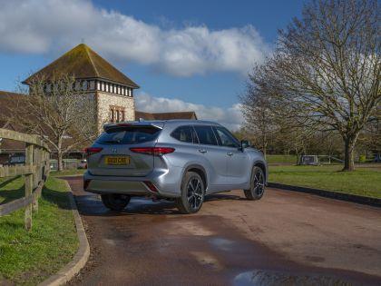 2021 Toyota Highlander hybrid - UK version 25
