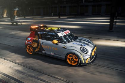 2021 Mini Electric Pacesetter 6