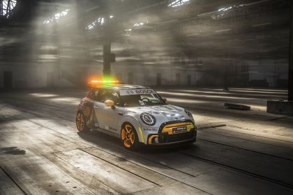 2021 Mini Electric Pacesetter 8
