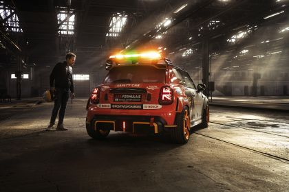 2021 Mini Electric Pacesetter 17