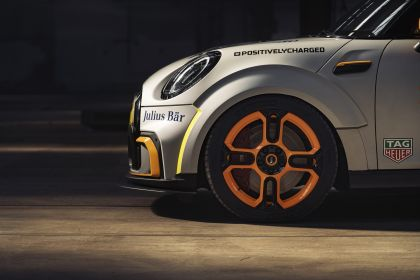 2021 Mini Electric Pacesetter 33