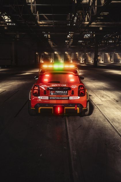 2021 Mini Electric Pacesetter 34