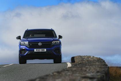 2021 Volkswagen Touareg R eHybrid - UK version 43