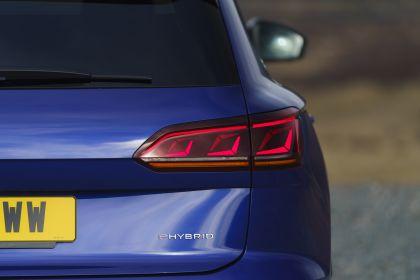 2021 Volkswagen Touareg R eHybrid - UK version 74