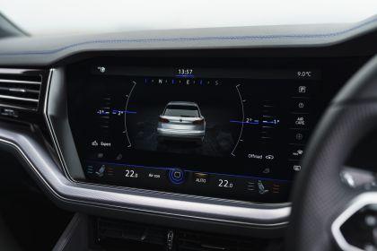 2021 Volkswagen Touareg R eHybrid - UK version 92